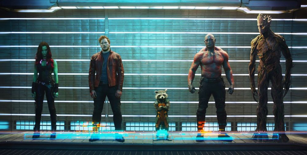 GUARDIANS OF THE GALAXY, from left: Zoe Saldana, Chris Pratt, Rocket (voice: Bradley Cooper), Dave