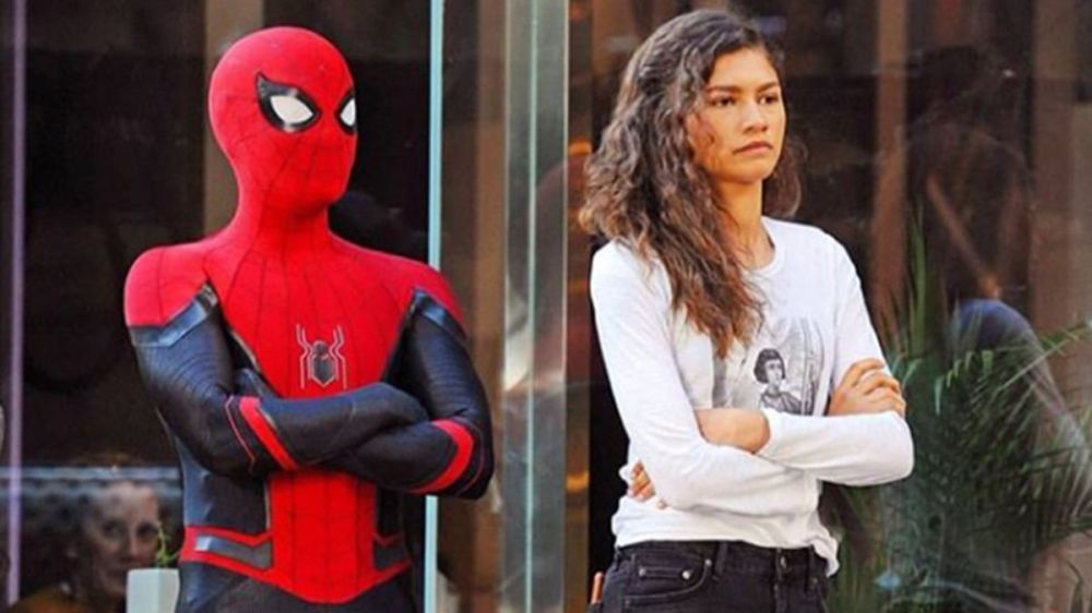 spiderman-tom-holland-far-from-home-peter-parker-mj